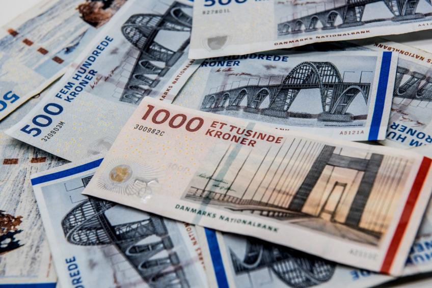 Monitoring, tax gaps and public finances